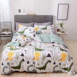 Комплект постельного белья Динозавры и вулкан с простынью на резинке (евро)