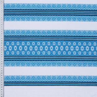 Вышитая скатерть в украинском стиле голубая